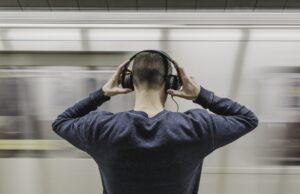 Noise-Cancelling headphone